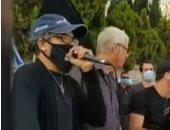 ناشط إسرائيلى يسارى يهدد باغتيال نتنياهو ونجله من أمام مقر الحكومة الإسرائيلية