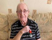 محارب خاض الحرب العالمية الثانية ينجو من كورونا و3 إصابات بالسرطان.. اعرف حكايته