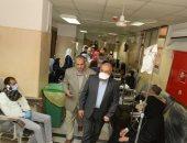 رئيس جامعة أسيوط يشيد بحجم العمل الجارى فى معهد الأورام لخدمة المرضى