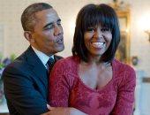 بحبك يا ميشيل.. حضن رومانسى من باراك أوباما لزوجته فى احتفالات عيد الأم