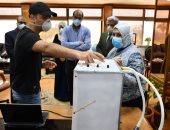 باحث بجامعة القناة يبتكر جهاز تنفس صناعى يعمل لأكثر من مريض بنفس الوقت.. صور