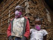 صور.. تسريحة لفيروس كورونا بشرق أفريقيا للتوعية بالمرض