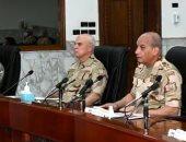 وزير الدفاع يلتقى طلبة الكليات والمعاهد العسكرية عبر الفيديو كونفرانس