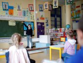 إعادة فتح المدارس فى بعض مدن فرنسا وسط إجراءات وقائية مشددة