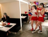 صور.. اليابانيون يتنفسون الحرية بعد قرارات العزل المنزلى