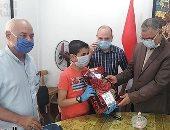وكيل تعليم شمال سيناء يكرم الطلبة الفائزين فى مسابقة معلومة فى سؤال