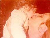 دنيا عبد العزيز بعد شهر على وفاة والدتها: لا شيء يريح قلبى المتعب سوى حضن أمى