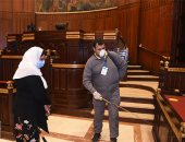 تعقيم و تطهير قاعات البرلمان استعدادا لجلسات الأحد المقبل..صور