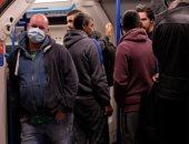 نقابات القطارات البريطانية تهدد بالإضراب للحماية من كورونا بعد صور لازدحام