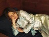 """حلا شيحة بصورة من كواليس """"خيانة عهد"""" : نمت من كتر التعب في التصوير"""