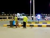 حملة نظافة بميدان جمال عبد الناصر وكورنيش النيل الغربي بحي شرق سوهاج