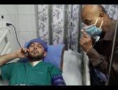 الطبيب البطل يشكر المصريين على دعواتهم قبل توجهه للمركز الطبى العالمى