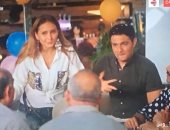 """""""بـ100 وش"""" الحلقة 23.. أفراد العصابة يحتفلون بخطوبة آسر ياسين ونيللى كريم"""