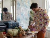 """العزل طلع الفنان اللى جواه.. رجل بريطانى يحول الفاكهة والخضراوات لـ""""كورونا"""".. صور"""