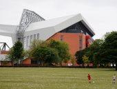 40 لاعبا وموظفا فى ليفربول يخضعون لاختبار كورونا تمهيدا للعودة للتدريبات