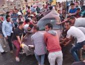 إصابة أربعة أشخاص فى انقلاب سيارة ملاكى على الصحراوى الشرقى فى بنى سويف