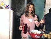 نور فى صور جديدة من كواليس البرنس: أكتر حاجتين بحبهم التمثيل والطبخ