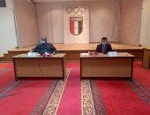 صور .. وزير الرياضة ينضم لاجتماع اللجنة الأولمبية