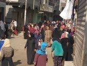 اضبط مخالفة.. زحام فى سوق ديرب البلد فى الشرقية رغم التحذيرات من كورونا