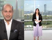 """مذيع بقناة """"العربية"""" يغازل زوجته خلال برنامجها على الهواء.. فيديو"""