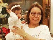 جنات فى عيد ميلاد والدتها: مهما كانت نعم الدنيا جميلة تظل الأم أجملها
