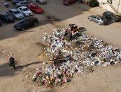 شكوى من تراكم القمامة أمام عمارات العرائس بصقر قريش