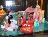 كريستيانو رونالدو وصديقته وأولادهم الأربعة بحمام السباحة × صورة جديدة