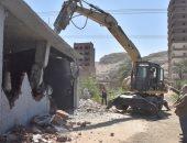 محافظ أسيوط: تنفيذ 3007 حالة إزالة لمخالفات البناء والتعديات خلال شهر