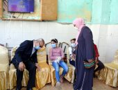 محافظ القليوبية يهنئ الأطفال الأيتام بعيد الفطر ويقدم لهم العيدية