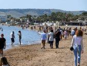 زحام على شواطئ إيطاليا بعد تخفيف إجراءات العزل