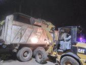 محافظة الجيزة ترفع 590 طن قمامة من أوسيم والمنصورية استعدادا للعيد