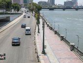 نشر أوناش المرور لرفع السيارات بكورنيش النيل تطبيقا لقرار الحظر