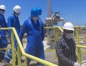 """رئيس """"بترول الصحراء الغربية"""" يتفقد موقع """"ميناء الحمراء البترولي """" لمتابعة سير العمل"""