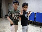 لليوم الثانى.. أهالى وأطفال الأقصر يحتفلون بالعيد فى المنازل
