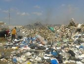 """سيبها علينا.. سكان منطقة """"أم زغيو"""" يشكون من انتشار القمامة بالشوارع"""
