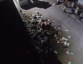 سيبها علينا.. سكان شارع قصر المختار بمصر القديمة يشكون انتشار القمامة