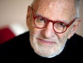 صحيفة: وفاة الكاتب والناشط الأمريكى لارى كرامر عن 84 عاما