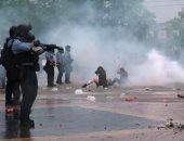 فيديو.. الشرطة تطلق الغاز المسيل على متظاهرين ضد قتل رجل أسود بولاية مينيسوتا