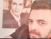 عمرو محمود ياسين يطمئن الجماهير على صحة والده: بخير وعيد ميلاده كان إمبارح