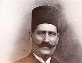 س وج .. بماذا وصف الشاعر خليل مطران شعر أحمد الكاشف؟