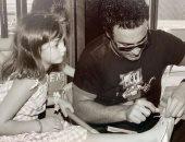 عاصى الحلانى مع ابنته: من لا يستطيع القيام بواجب الأبوة لا يحق له إنجاب أبناء