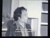 """عادل إمام يسخر من ترجمة """"القرع لما استوى قال للخيار يا لوبيا"""" بمدرسة المشاغبين"""