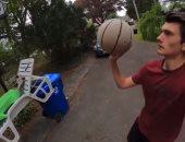 أغرب تسديدة لكرة السلة استغرقت دقيقتين لإحراز الهدف.. فيديو