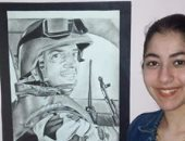 رنا تعبر عن موهبتها برسومات فنية وبورتريه للشهيد أحمد المنسى