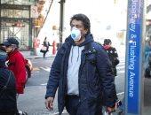 الكمامات المزودة بصمام تنفس أقل فعالية وتسمح بمرور الجسيمات الفيروسية
