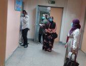 مدير مستشفى الأقصر الدولى يعلن بدء دخول المترددين بالكمامات ومنع اصطحاب الأطفال