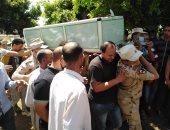 الآلاف يشيعون شهيد الواجب بقرية ميت على في المنصورة
