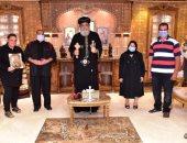 البابا تواضروس يستقبل أسرة المجند عماد أمير شهيد ملحمة البرث العسكرية
