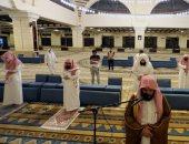 شاهد تعقيم وتهيئة مساجد السعودية لحضور المصلين بعد عودة الصلاة فى 90 ألف مسجد