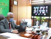 """رئيس جامعة المنوفية يعقد مجلسها """"أون لاين"""" ويتابع تجهيزات معهد الكبد للعزل"""